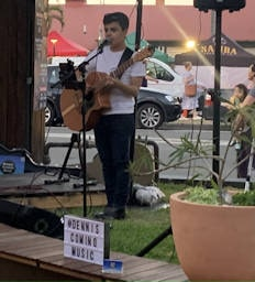 Live Music at La Zucca with Dennis Comino